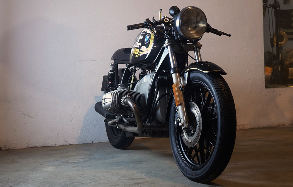 BMWCAFERACER03