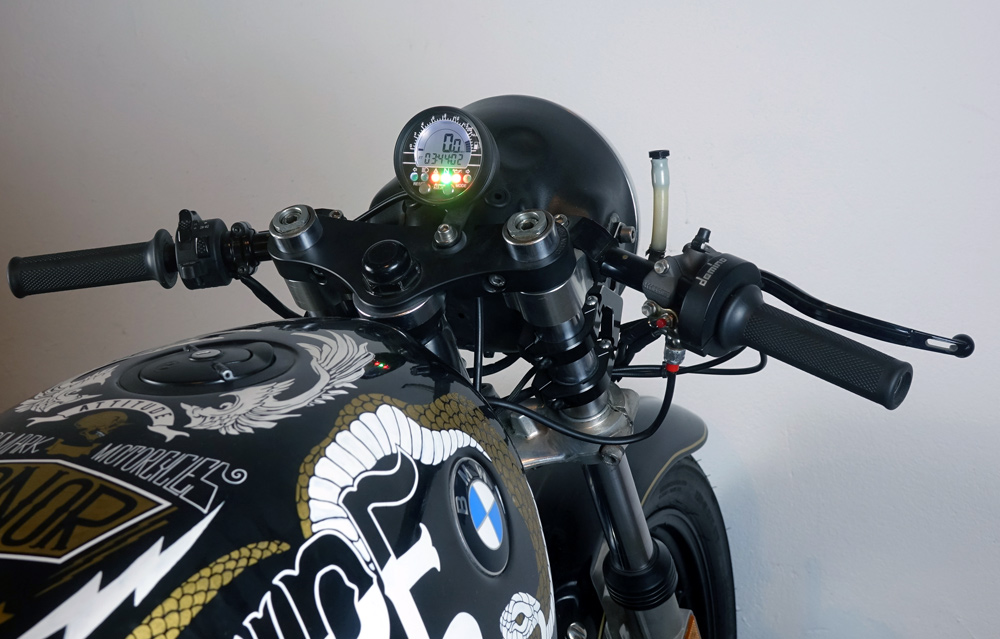 BMWCAFERACER11