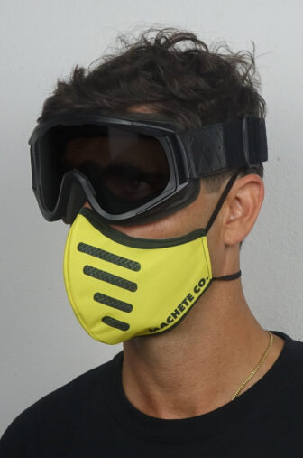 Bell moto 3 covid 19 mask photo with a model